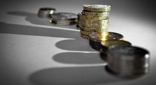 Oszczędzanie, karta kredytowa czy pożyczka – jak podreperować budżet na święta?