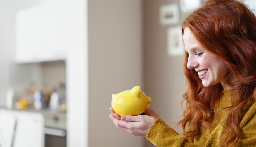 Jak oszczędzić na kursie franka – poradnik dla kredytobiorców