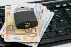 kłódka pieniądze klawiatura