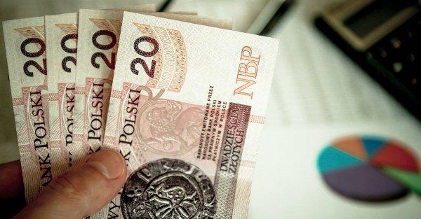 cztery banknoty 20 PLN