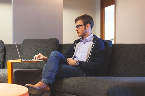Pożyczki dla bezrobotnych przez Internet – cechy, oferty i najistotniejsze informacje